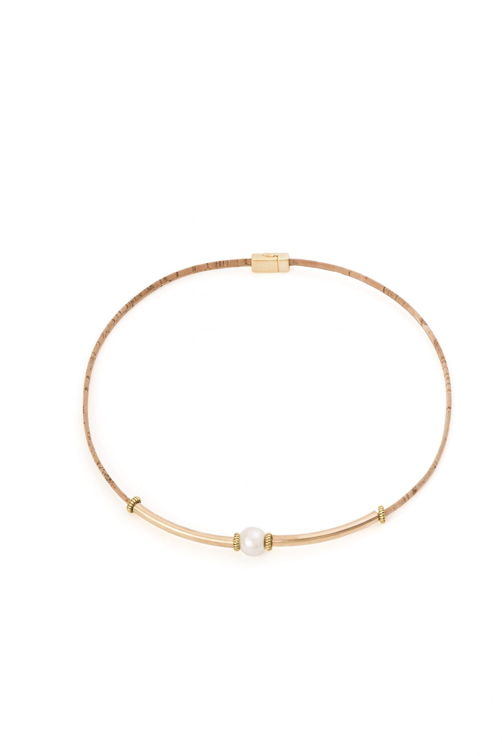 Colier din pluta cu tuburi aurii si perla