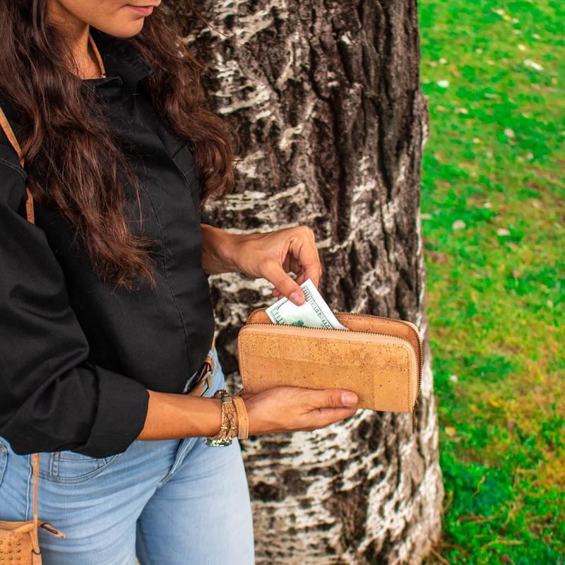 Portofel de dama cu fermoar – natural