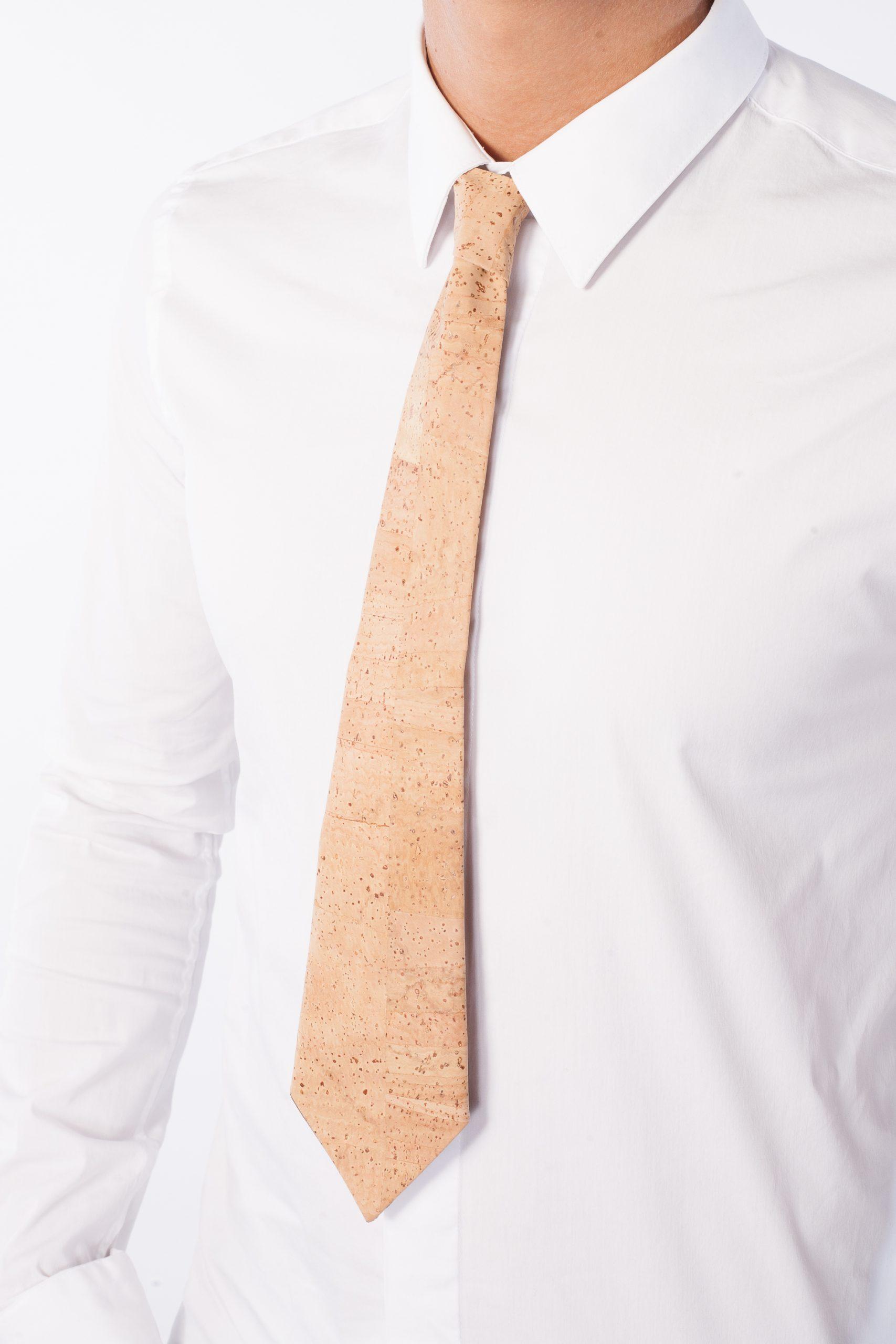 Cravata din pluta
