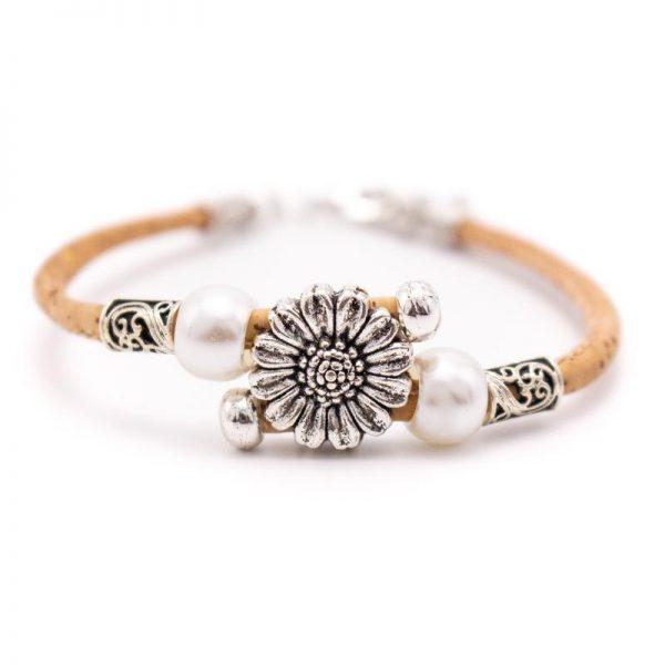 Bratara cu ornament metalic si perle