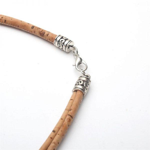 Colier din pluta cu medalion oval1