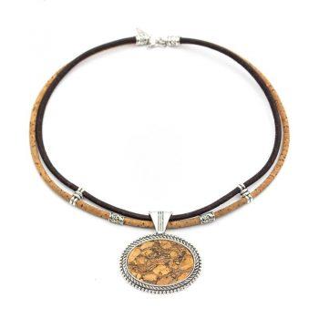 Colier vintage cu medalion oval