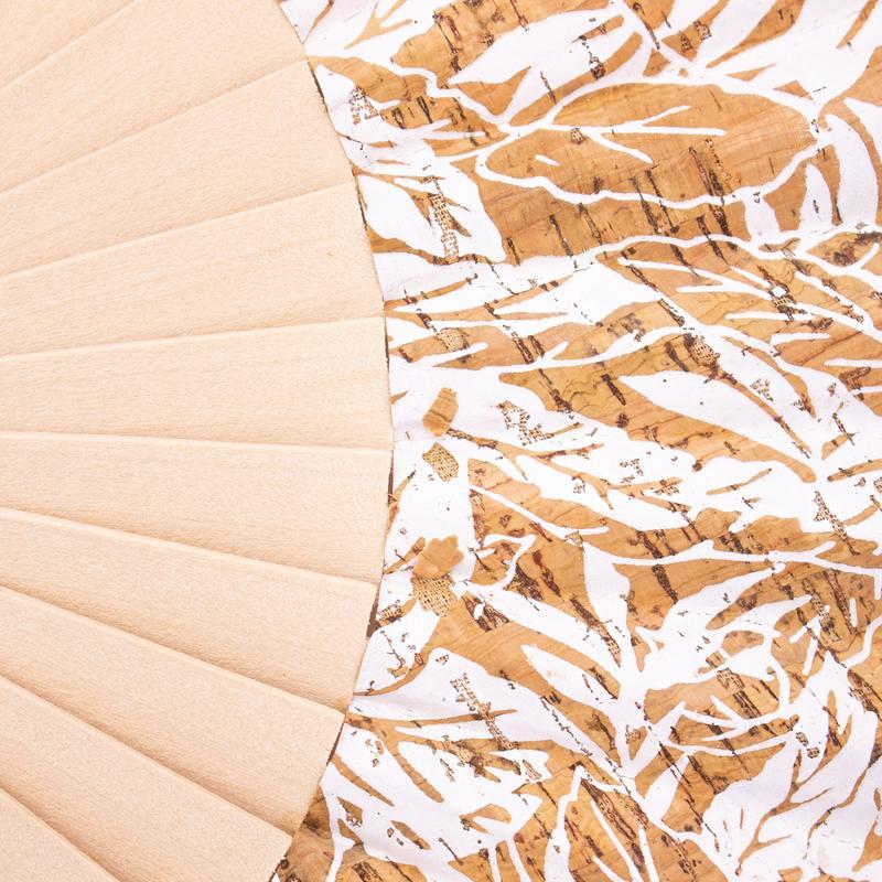 Evantai din lemn si pluta – natural-alb