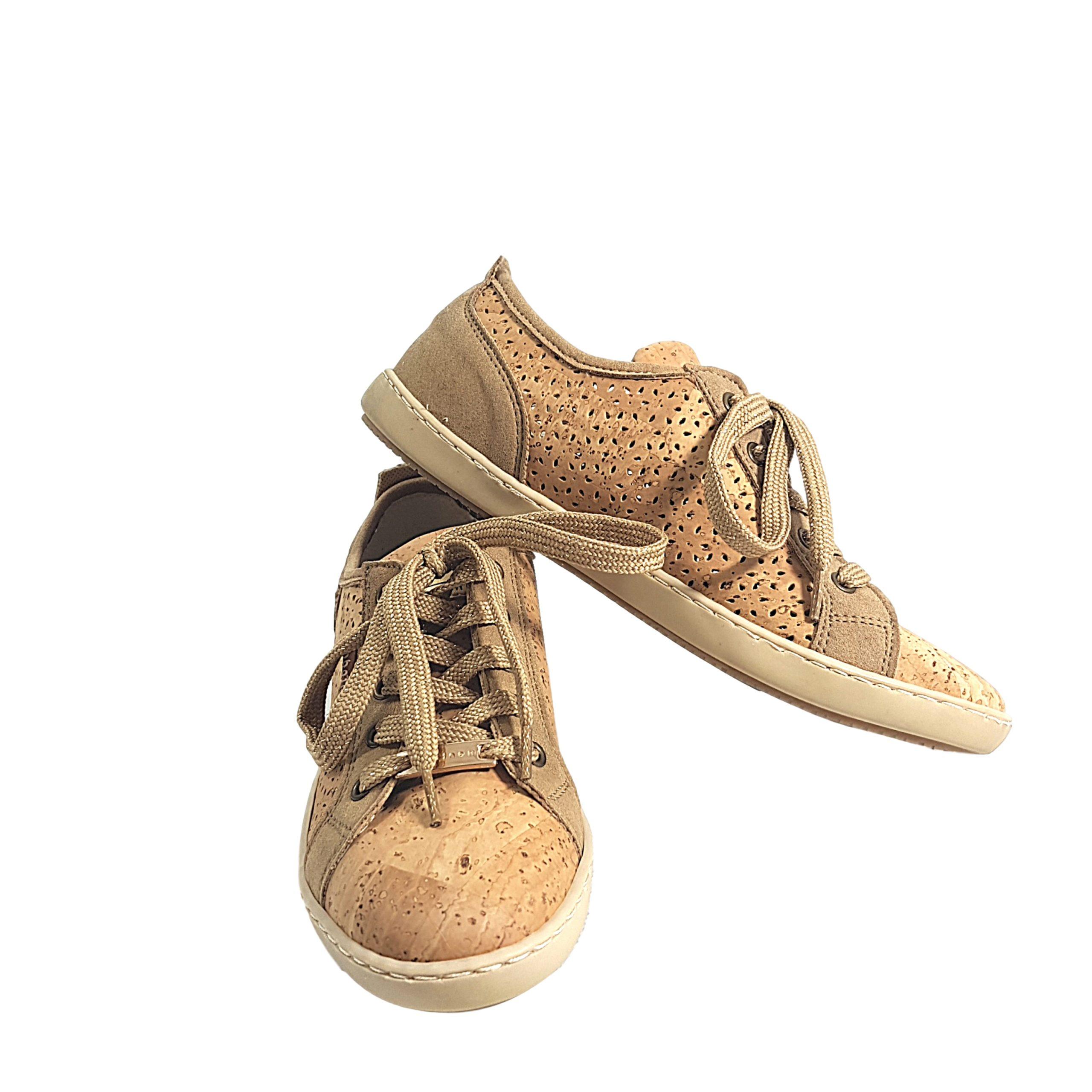 Sneakers cu perforatie laser