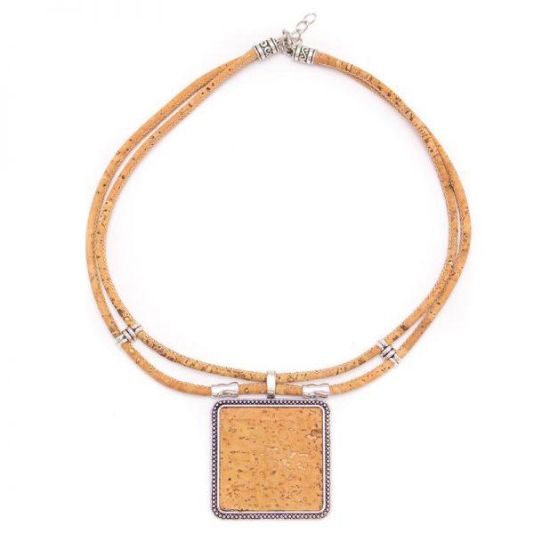 Colier cu medalion patrat - colorat A