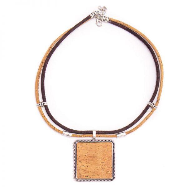 Colier cu medalion patrat - colorat B