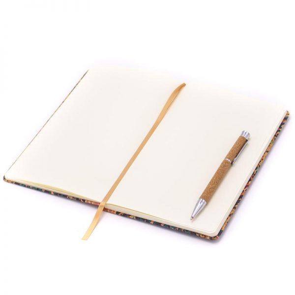 Notebook cu coperti din pluta2
